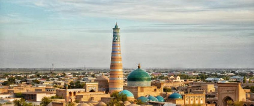 中国到乌兹别克斯坦第二条国际道路运输线路都经过哪些城市?